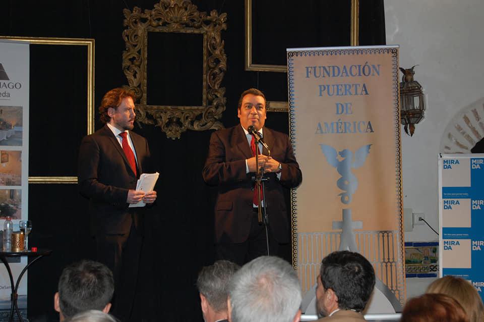 Israel Lozano y el maestro Fucho Pereda